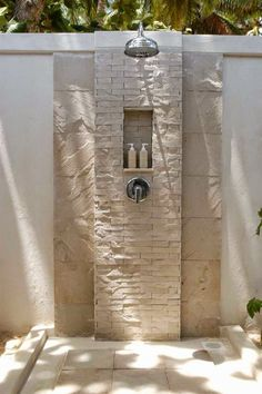 Cool Outdoor Pool Bathroom Ideas with 96 Best Pool Bathroom Outdoor Shower Design Ideas Images On Outdoor Pool Shower, Outdoor Baths, Outdoor Bathrooms, Outdoor Kitchens, Outdoor Spaces, Indoor Outdoor, Outside Showers, Open Showers, Douche Design