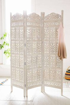 wooden carved screen