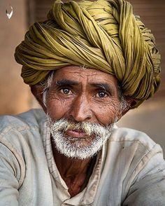 Trendy eye photography men old mans Old Man Portrait, Portrait Art, Portrait Photography Men, Eye Photography, Indian Photoshoot, Old Faces, India Art, Indian Art Paintings, Indian Man