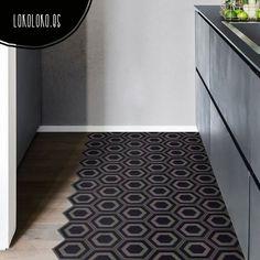 Vinilo de impresión con laminado para proteger la tinta de un elegante patrón geométrico de hexágonos negros para decorar zonas comunes de la casa.