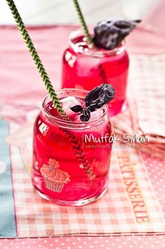 How do you make Reyhan Şerbeti? We also have 4 comments to give you ideas. Recipes, thousands of recipes and more . How do you make Reyhan Şerbeti? We also have 4 comments to give you ideas. Recipes, thousands of recipes and more . Fruit Drinks, Smoothie Drinks, Fruit Smoothies, Beverages, Healthy Foods To Eat, Healthy Drinks, Sorbet, Drink Tags, Wie Macht Man