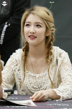 Nam Jihyun (4minute) AWW SHE'S THE QUEEN OF AEGYO~