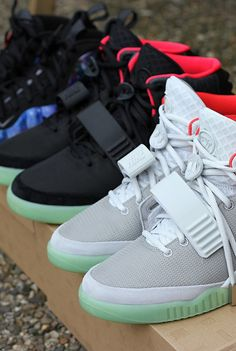 3dfa20ff9b3  Nike Air  Yeezy  amp   Foamposite Fake Shoes