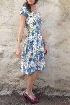 Floral vintage look #skirt #midiskirt #fullskirt