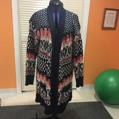 Heavy weight long cardigan Very cute long heavy weight cardigan. Has pockets. Only worn once and in great condition! Aeropostale Sweaters Cardigans