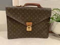 Louis Vuitton Handbag – Famous Last Words Vintage Louis Vuitton Luggage, Louis Vuitton Handbags Black, Burberry Handbags, Handbags Online, Chanel Handbags, Handbags On Sale, Black Handbags, Fashion Handbags, Louis Vuitton Monogram