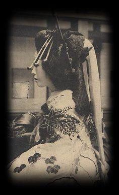 花魁の横顔 : 美しい花魁、遊廓の古写真 - NAVER まとめ