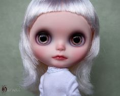 O__O by Olydoll, via Flickr