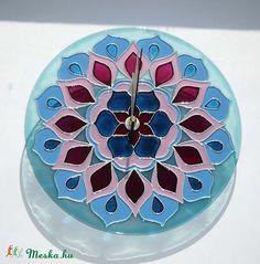 mandala wall clock  Mandala - kék, rózsaszín, mályva virág mandala egyedi festett üvegóra (Boriboszi) - Meska.hu  #mandala #lakasdekoracio #ajandekotlet #egyediuvegora #kézműves #egyediajándék