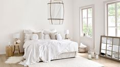 """This is how the """"Lace Dream"""" look works. Contrasts are also evident in the interior . Scandinavian Interior Design, Scandinavian Home, Interior Design Living Room, Home Bedroom, Home And Living, Interior Inspiration, House Design, Decoration, Furniture"""