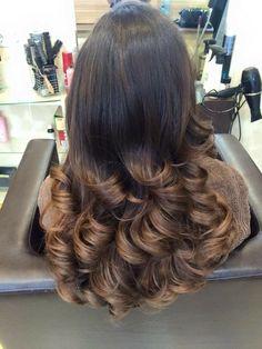 Ombre Balayage Highlights Lighter ends Shiny hair Haircuts For Long Hair, Long Hair Cuts, Curled Hairstyles, Pretty Hairstyles, Long Hair Styles, Indian Hair Cuts, Long Layered Hair, Facon, Big Hair
