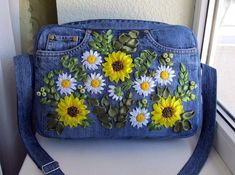 Source by and purses crossbody Denim Backpack, Denim Tote Bags, Denim Purse, Embroidery Purse, Crewel Embroidery, Diy Bags Patterns, Denim Handbags, Floral Denim, Blue Denim