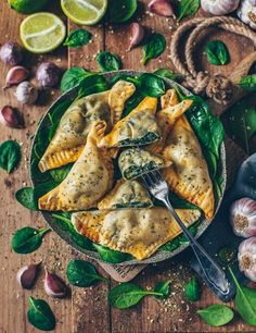 Vegan dumplings with spinach and cashew ricotta - Bianca Za .- Vegan dumplings with spinach and cashew ricotta – Bianca Zapatka Healthy Dinner Recipes, Vegan Recipes, Cooking Recipes, Vegan Food, Japanese Vegetarian Recipes, Candida Recipes, Lunch Recipes, Healthy Meals, Pasta Recipes