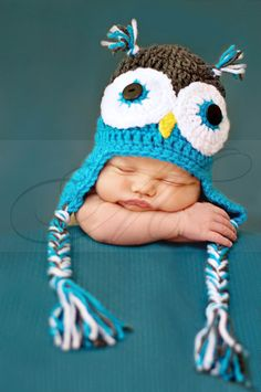 Newborn Photo Baby in Owl Hat