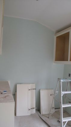 Neutral paint colors on pinterest benjamin moore paint for Dunn edwards interior paint
