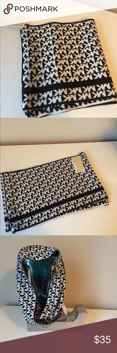 New Micheal Kors scarf NWT Michael Kors scarf / black / beige / $58 Michael Kors Accessories Scarves & Wraps