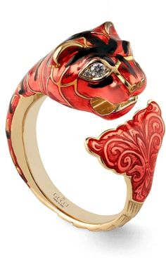 4619cf088 Tiger head ring with enamel | Gucci Rings | Gucci jewelry, Jewelry ...