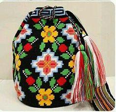 Tapestry Bag, Tapestry Crochet, Knit Crochet, Crochet Accessories, Purses And Bags, Needlework, Crochet Patterns, Cross Stitch, Knitting