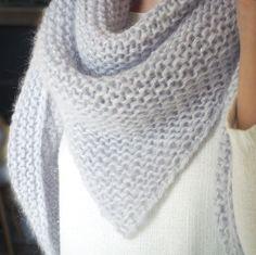 for mine smukke børn, men ikke det …: Min sjal i angora Angora, Pedicure Socks, Stitch Patterns, Knitting Patterns, Knitting Ideas, Knitting Accessories, Knitted Shawls, Knitting Socks, Knit Socks
