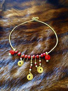 La Vie En Rose' Tribal Necklace
