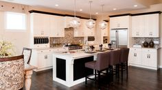Great detail on middle island for this kitchen