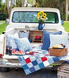 Make a Picnic Quilt Utilizing This Free Summer time Picnic Quilt Sample Picnic Quilt, Picnic Blanket, Outdoor Blanket, Summer Fun, Summer Time, Free Summer, Summer Nights, Truck Bed Date, Truck Bed Camping