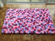 How to make pom pom rug with fork! and yarn. Super easy, fun and soft!