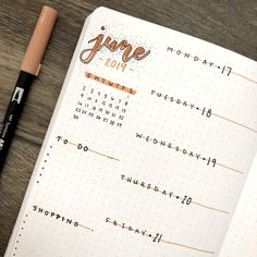 Simple but cute weekly spread for bullet journal Bullet Journal Journaling, Bullet Journal 2018, Bullet Journal Simple, Bullet Journal Weekly Spread, Bullet Journal First Page, Bullet Journal Notes, Bullet Journal Aesthetic, Bullet Journal Writing, Bullet Journal Layout