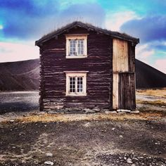 #Røros - On UNESCOs World Heritage list.  #centralnorway Folklore, Norway, My Photos, Explore, World, House Styles, Pictures, Instagram, The World