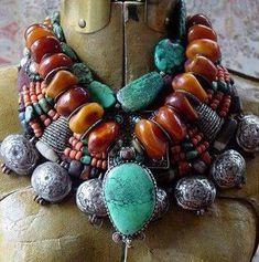 Resultado de imagen de collares antiguos de ambar bereber