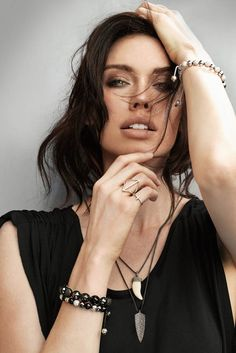 Nialaya has the most beautiful women's jewelry