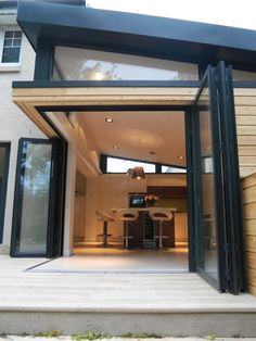 We've tried in the past to explain how the garden room companies can also build striking home extensions and these stunning photos by Aberdeen based Dab Den just prove our point. Extension Veranda, House Extension Design, Glass Extension, Extension Designs, Roof Extension, House Design, Extension Ideas, Extension Office, Bungalow Extensions