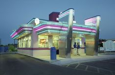 An American Diner, photo from an exhibition at the Fox Talbot Museum Vintage Diner, Retro Diner, Art Deco Buildings, Old Buildings, Diner Aesthetic, Kitchen Bar Design, Kitchen Decor, Diner Restaurant, Roswell New Mexico
