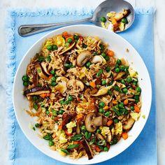 Riz frit aux légumes et aux œufs brouillés | recettes.qc.ca