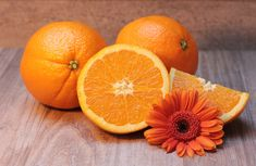 Can Puppies Eat Oranges? Yes, dogs can eat oranges with a few precautions. High in Vitamin C, oranges are a good alternative to processed dog treats. Dogs can safely eat oranges. Weight Loss Tea, Lose Weight, Water Weight, Skin Tightening Foods, Kefir, Home Remedies For Wrinkles, Vitamin C Benefits, Health Benefits, Orange Fruit