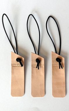 Personalize leather tags for bags and luggage #luggagetag #bagtag #leathertag
