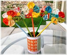 This is a quick way to make fabric flowers. Check it out at The Ribbon Retreat http://www.theribbonretreat.com/blog/fresh-flowers.html