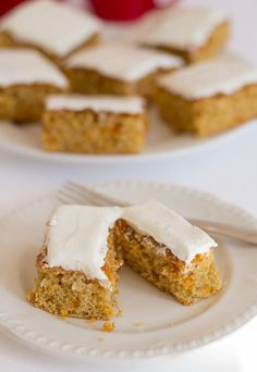 This low fat orange and apricot tray bake makes for a healthier bake to go with your morning or afternoon cuppa. Plus it's only 246 calories per slice.