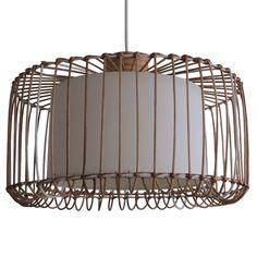 De laterne is een mooie transparante bamboe lamp. De ranke bamboe draden zorgen ervoor dat de lichtval ruim is.