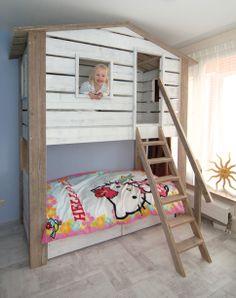 Beach bed duo. Stoer stapelbed van steigerhout in strandhut stijl. Bunk bed made of used wood