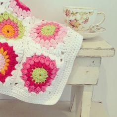 .@mrstifflivingcreatively | Sunburst granny squares using Rico Creative Cotton