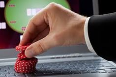Playing online poker has some advantages over land-based casino. As you can play it at your home on your computer. You just need an internet connection and a computer or laptop. Also there is no need to travel to the casino. A website is right if it is reliable, reputable and has good ratings.