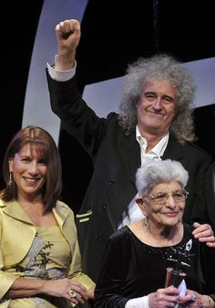 Brian May with Freddie Mercury's mother Jer Bulsara and sister Kashmira Cooke