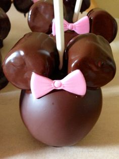 Minnie Mouse Caramel Chocolate Covered Apples first step