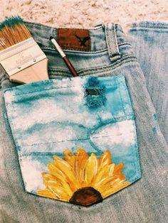drawing on jeans & drawing on jeans ` drawing on jeans sharpie ` drawing on jeans ideas ` drawing on jeans jacket ` drawing on jeans pants ` drawing on jeans diy ` drawing on jeans aesthetic ` drawing on jeans art Painted Shorts, Painted Jeans, Painted Clothes, Diy Clothes Paint, Painted Denim Jacket, Hand Painted, Diy Clothing, Custom Clothes, Denim Kunst