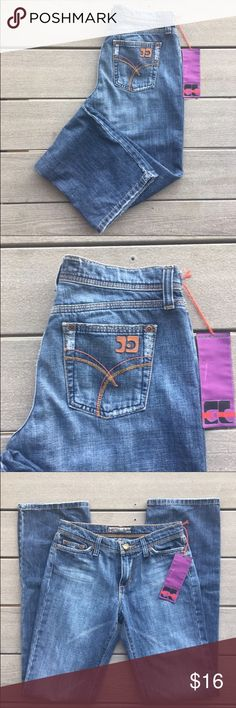 "NWTS (?) Joe's Jeans - Straight Legs-'Re-Posh' NWTS-Re-Posh-These arrived exactly as described & displayed in pics. They are well-cut, not really whiskered, just a nice straight blue wash, but frayed at bottoms-leaving me to wonder if perhaps were worn (?) Also, they are sized at 28"" x  33"". They were very TIGHT on me & typically I wear a 2/4/6 (depending on brand-I'm 5-9"". 123 lbs, 8"" rise. I recommend these 4 this price-though I'm not 100% positive they are indeed NWTS (yes there's the big…"