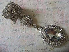Sparkle teardrop rhinestone crystal brooch pin