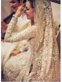 Incredibly Beautiful Indian Bride In Her Wedding Attire Pakistani Wedding Dresses, Indian Wedding Outfits, Pakistani Bridal, Bridal Outfits, Indian Outfits, Wedding Attire, Bridal Dresses, Indian White Wedding Dress, Bridal Lehenga