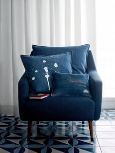 distressed denim pillows; diy and just spatter with bleach