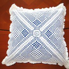 Housse de coussin réalisée en coton à crocheter blanc avec ou sans le coussin